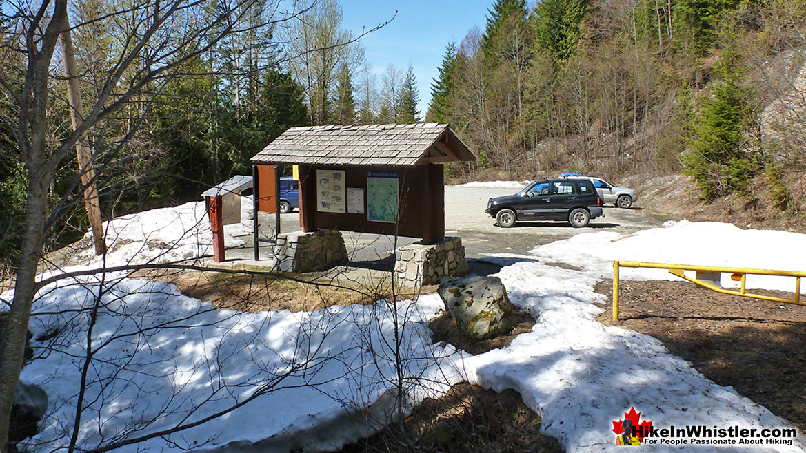 The Elfin Lakes Trailhead and Parking